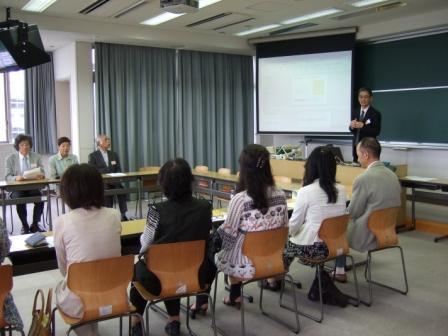 【トピックス使用】学科別懇談会の様子2.jpg