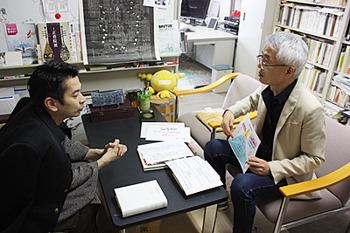 旭堂南青さんに解説する中嶋教授
