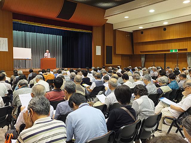 講座会場には大勢の受講者の方が来られました
