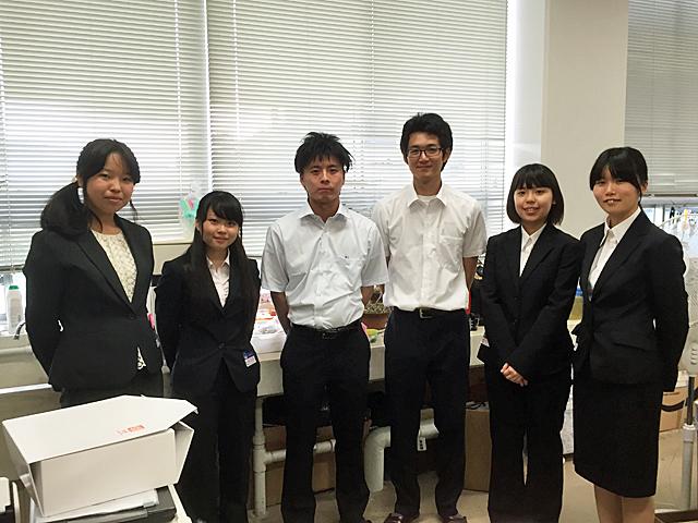 運営スタッフの学生たち<br />(左から畑田さん、松島さん、出口さん、竹谷さん、中川さん、辰己さん)