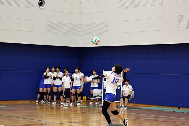 ファイナルセット 松岡選手のサーブ