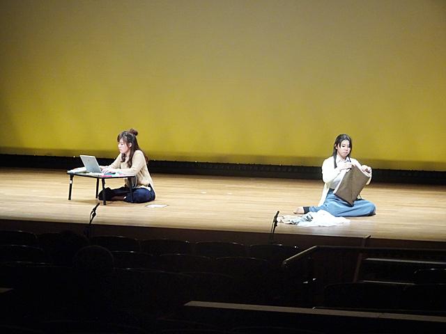 本学演劇部の舞台(学園前ホール)